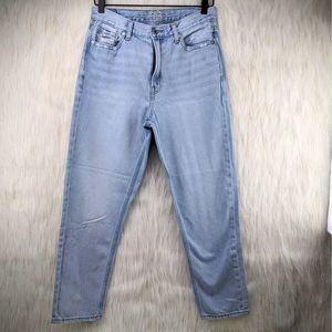 AEO American Eagle Light Wash Mom Jeans Size 8